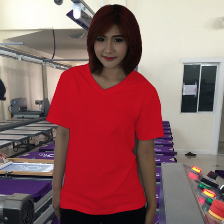 เสื้อยืดคอวี สีแดง รอบอก 36 นิ้ว เบอร์ M