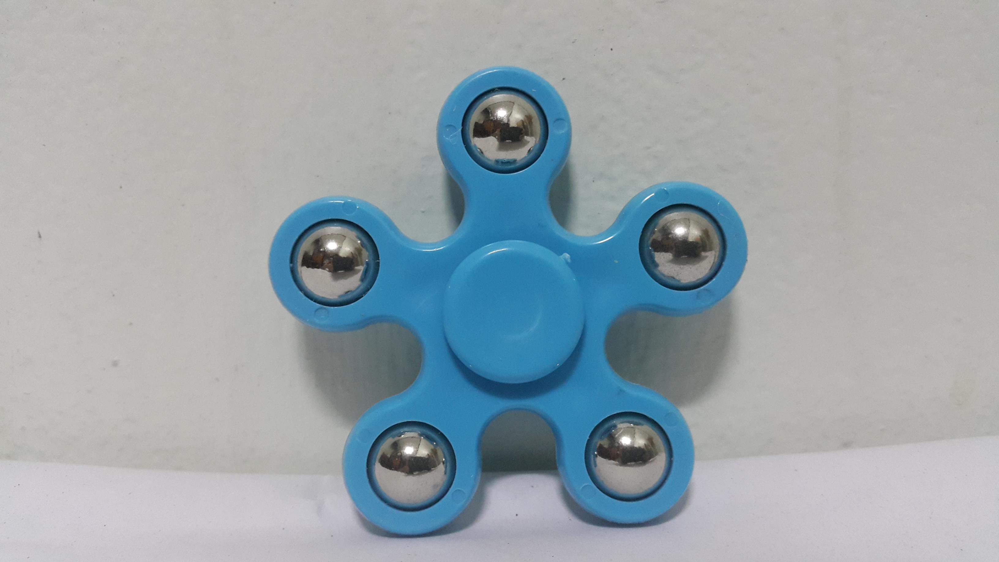 แฮนด์ สปินเนอร์ 5 แฉก (Hand Spinner) สีฟ้า