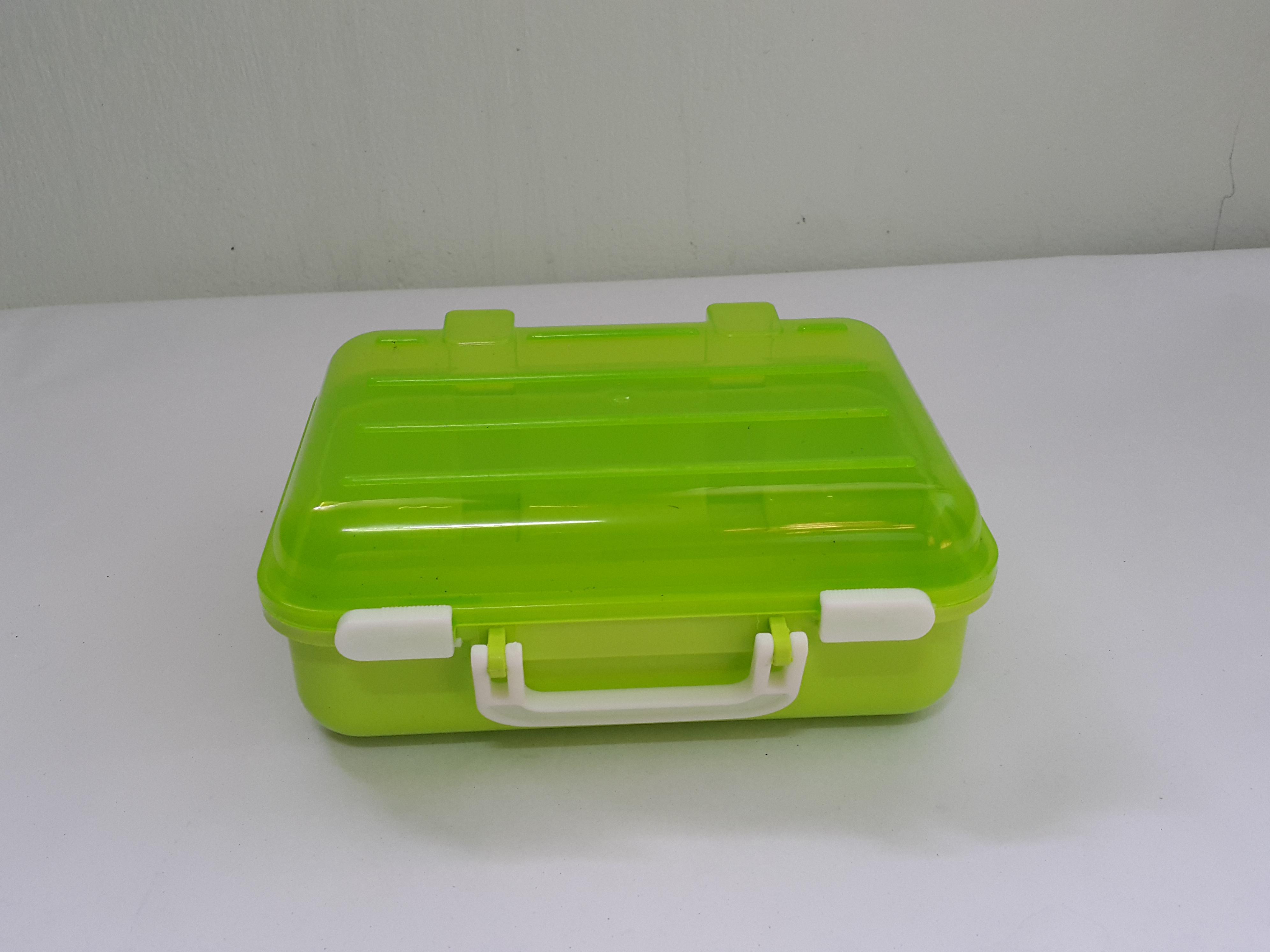 กล่องกระเป๋าเดินทาง มีหูหิ้ว สีเขียว (B003)