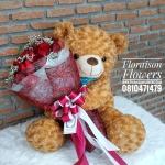 ตุ๊กตาหมีขนกุหลาบกอดช่อกุหลาบแดง (L)