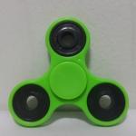 แฮนด์ สปินเนอร์ 3 แฉก (Hand Spinner) สีเขียว