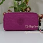 Kipling Uzario Very Berry เป็นกระเป๋าสตางค์ใบยาวแบบ 2 ซิปรอบ ขนาด 10 L x 18.5 H x 3.5 W cm