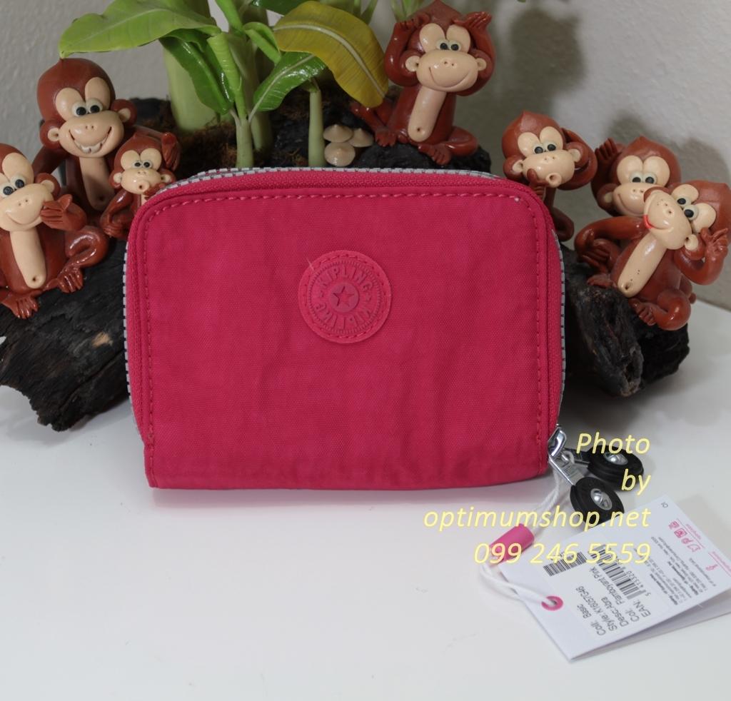 Kipling Abra Flamboyant Pink เป็นกระเป๋าสตางค์รุ่นใหม่ ขนาดกระชับมือแบบซิปรอบ ขนาด 3 W x 9 H x 12.5 D cm Small