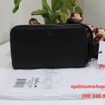 Kipling Olvie Leather Black เป็นกระเป๋าสตางค์ใบยาวแบบซิปรอบ มาพร้อมสายคล้องมือ ขนาด 8x 5 x 1 นิ้ว
